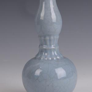 欧洲回流粉青釉葫芦瓶
