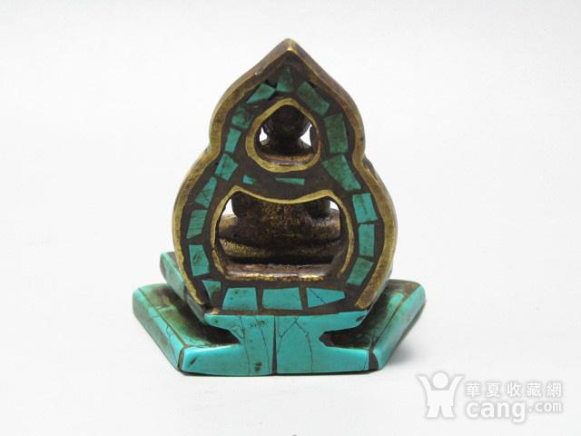 藏传老铜 手工斩刻绿松石珊瑚镶嵌 藏佛 包浆老厚 工艺细致图7