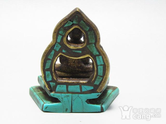 藏传老铜 手工斩刻绿松石珊瑚镶嵌 藏佛 包浆老厚 工艺细致图4