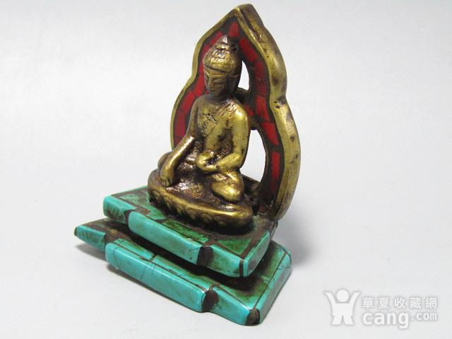 藏传老铜 手工斩刻绿松石珊瑚镶嵌 藏佛 包浆老厚 工艺细致图8