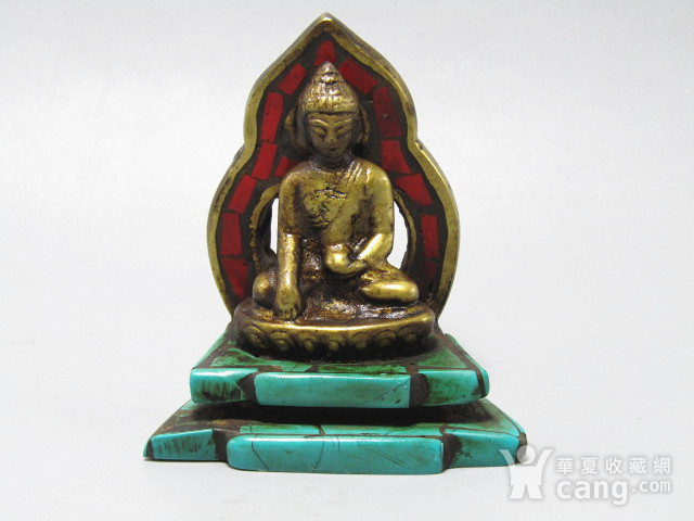 藏传老铜 手工斩刻绿松石珊瑚镶嵌 藏佛 包浆老厚 工艺细致图9