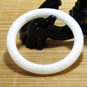 清和田一级白玉 原条手镯 细腻油润 包浆熟厚