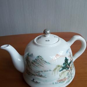 联盟 民国汪友棠粉彩山水茶壶
