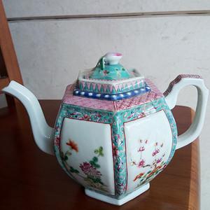 联盟 清晚粉彩花卉六方壶
