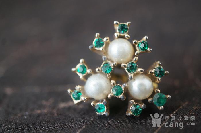 珍珠绿钻别针图2
