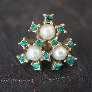 珍珠绿钻别针