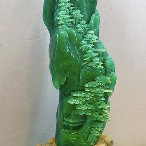 名家精品收藏级翡翠绿!中国石雕大师精雕翡翠绿一峰独秀大摆件