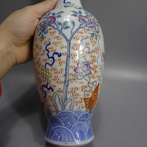 清代晚期斗彩描金花瓶