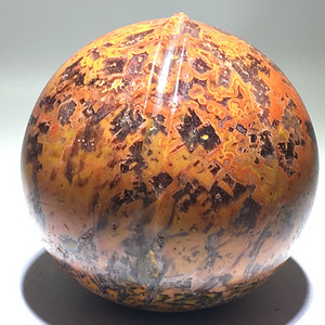 罕见 天然内部结晶战国红 异矿 寿桃摆件 个头大 手工雕刻 色泽花纹非