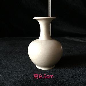 105 青白瓷小赏瓶