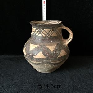 194 描彩绘几何纹单柄罐