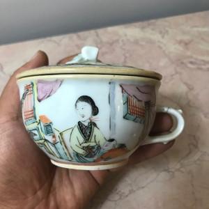 7021 清末浅绛彩美人如玉茶盏