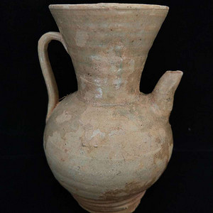 唐代寿州窑黄釉执壶