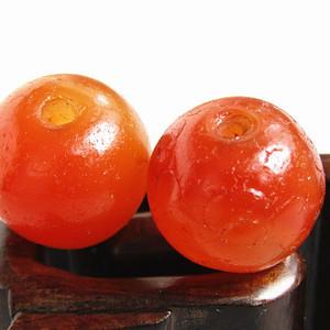 唐红玛瑙珠 两颗 包浆熟厚