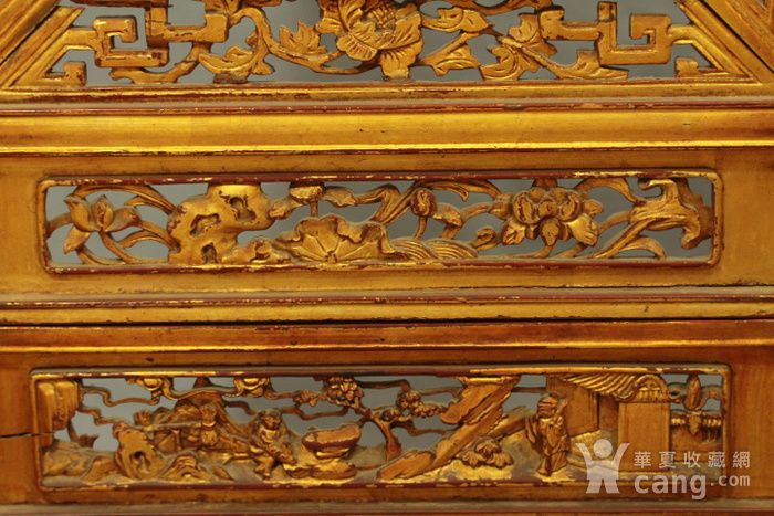 清代大型刀马人纹金漆木雕屏风