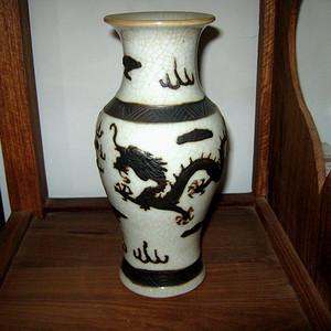 清代哥釉小瓶