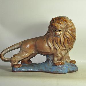 大号瓷塑狮子摆件