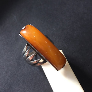 8093欧洲回流俄罗斯银工蜜蜡戒指