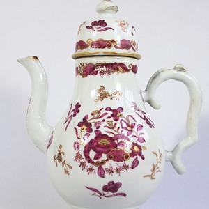 乾隆 胭脂红描金茶壶