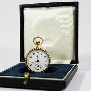 重器奢侈 19世纪 瑞士 18K金珐琅钻石珍珠怀表