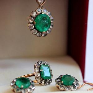 奢侈品 欧洲 古董K金祖母绿套装