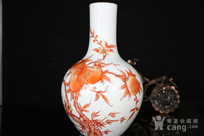 老矾红桃胆瓶图2