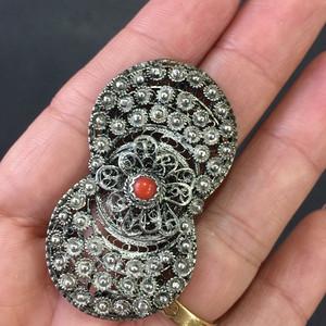 8052欧洲回流银堆丝嵌珊瑚胸针