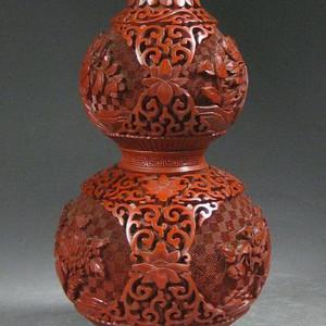 精美剔红花卉纹葫芦瓶