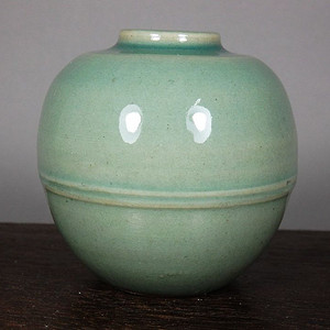 清早期粉青釉罐