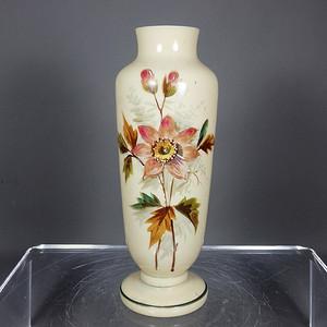 民国 黄粉彩花卉绘画赏瓶