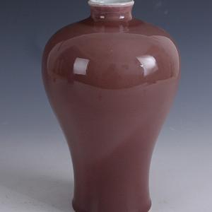 欧洲回流红釉梅瓶
