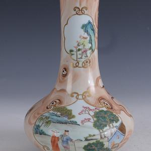 欧洲回流粉彩木纹开窗人物描金瓶