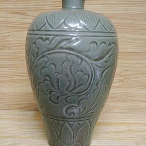联盟 印花梅瓶