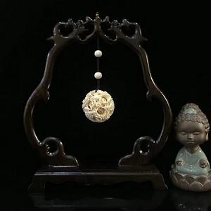 双戏珠鬼工玲珑球