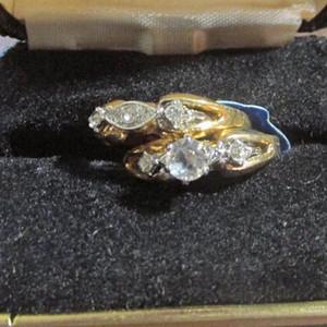 18K金镶嵌钻石男女结婚戒指一对,全新。
