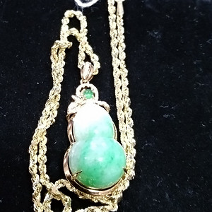 英国回流的创汇时期18K金镶嵌钻石,翡翠葫芦吊坠,链14K金
