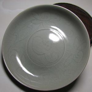 龙泉青釉划花盘