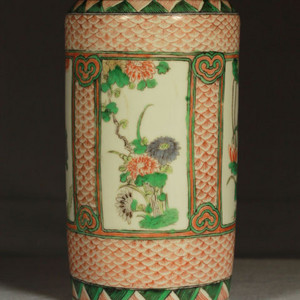 清早期五彩开光四季花卉纹筒瓶