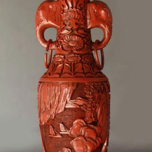 清代满工剔红山水人物纹象耳瓶