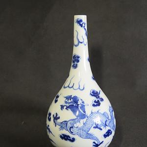 清代25.5cm游龙戏凤青花天球瓶