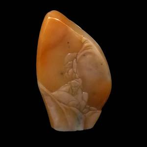 寿山石田黄石薄意浮雕摆件20 石质温润 萝卜纹隐隐可见