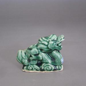 民国瓷塑绿釉龙纸镇
