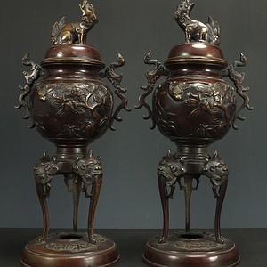 清代 瑞兽浮雕 铜香炉一对