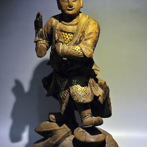 明代木雕武士造像