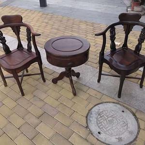 红酸枝二椅一几