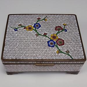 清代铜胎掐丝珐琅梅花叶茶盒