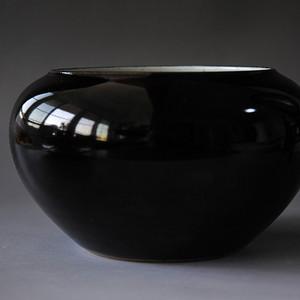 清中期乌金釉水盂