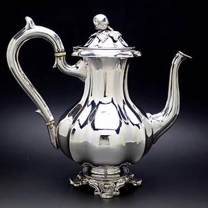 1800年左右,法国钝银壶
