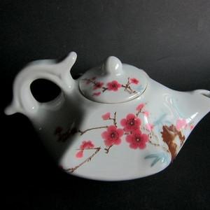 六十年代中南海怀仁堂桃花壶