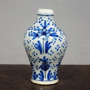 清代青花花卉绘画小梅瓶